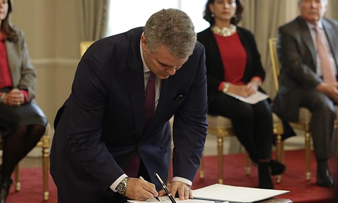 El presidente Iván Duque creó 27 nuevos cargos en el mismo decreto donde eliminó 33.